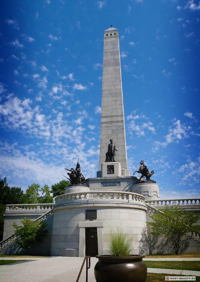 памятник Аврааму Линкольну