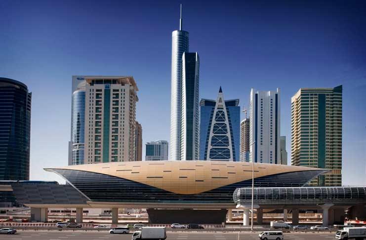 Вход в станцию метро в г.Дубай