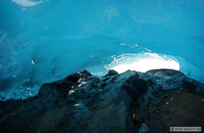 Ледяные пещеры Менденхолла