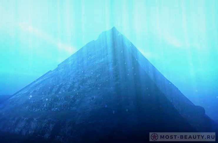 Пирамиды озера Фусянь