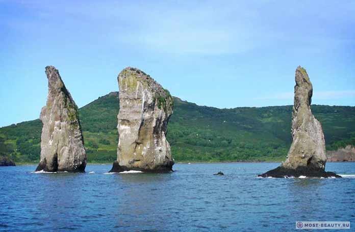 Самые красивые места на море: Скала Три брата