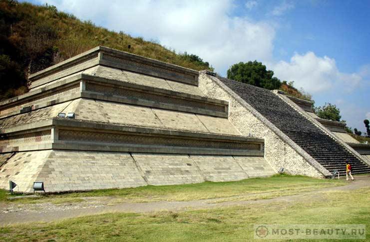 Великая пирамида Чолула