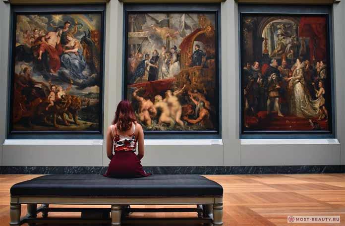 Красивые картины в картинной галерее. CC0