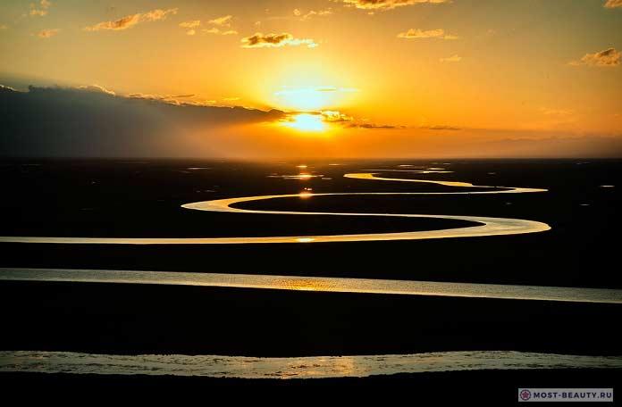 Очень красивая река на фото. CC0