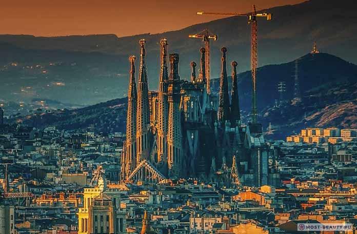 Самые красивые церкви: Храм Святого Семейства. Испания. CC0