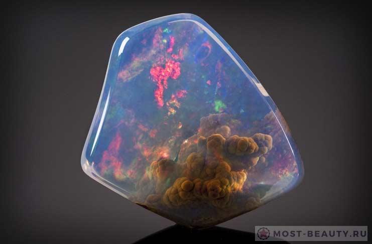 Самые красивые минералы планеты: Голубой опал «Вселенная»