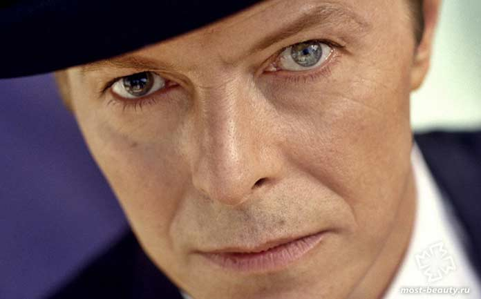 Дэвид Боуи имеет очень красивые глаза