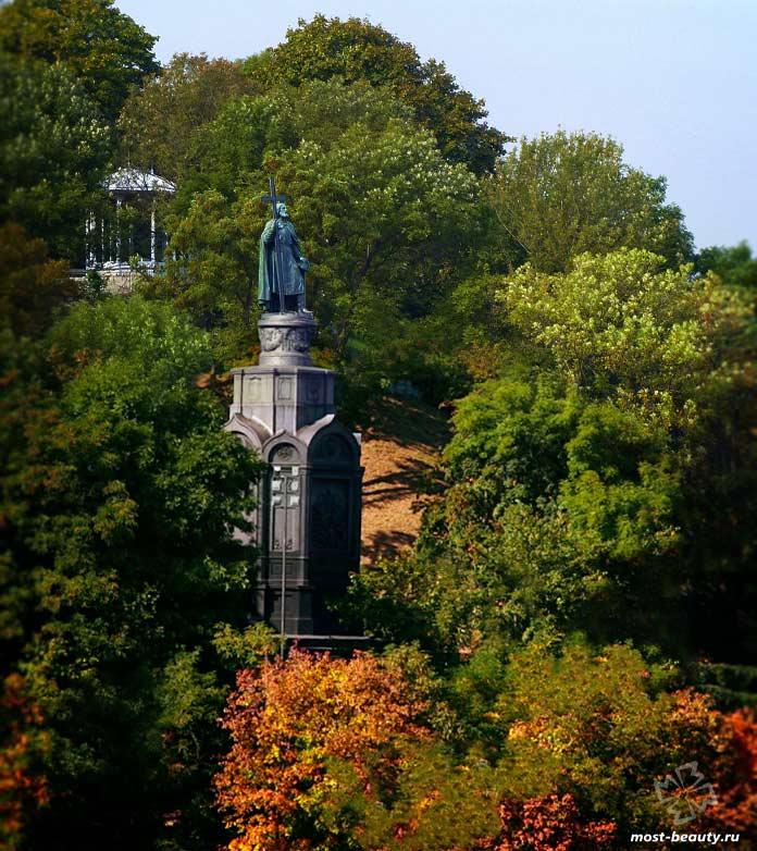 Самые красивые достопримечательности Киева: Владимирская горка