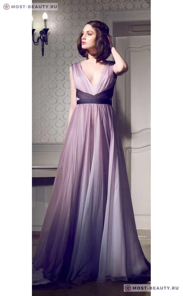 На фото: Сиреневое свадебное платье