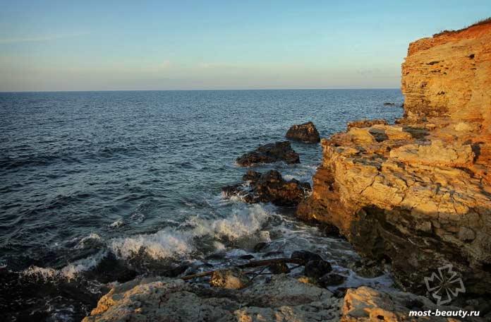 Знаменитые и красивые бухты Крыма: Казачья бухта