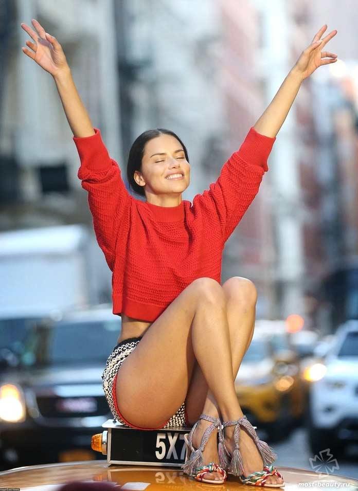 Самые известные модели: Adriana Lima