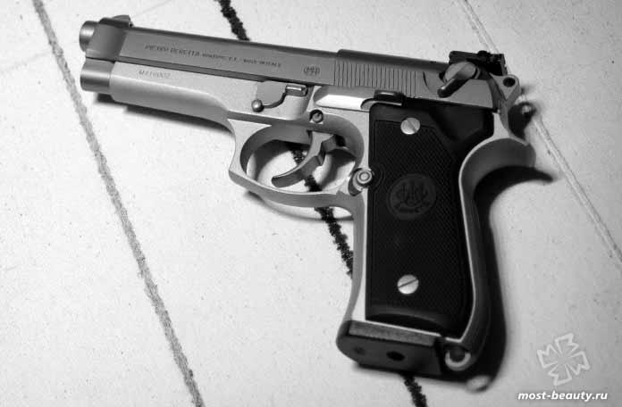 Самые мощные пистолеты: Beretta 92