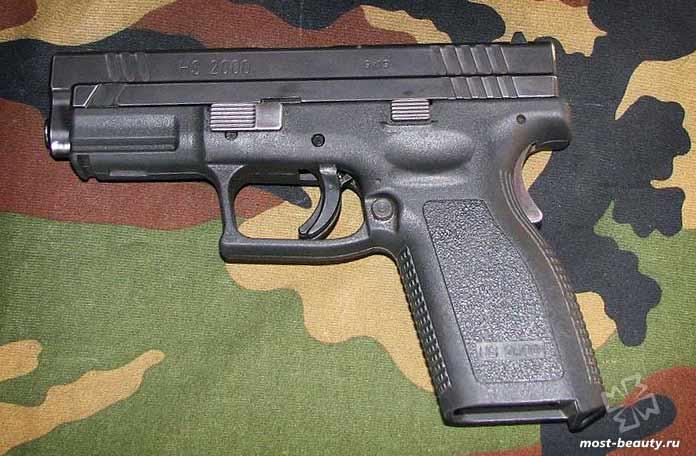 Самые мощные пистолеты: HS2000