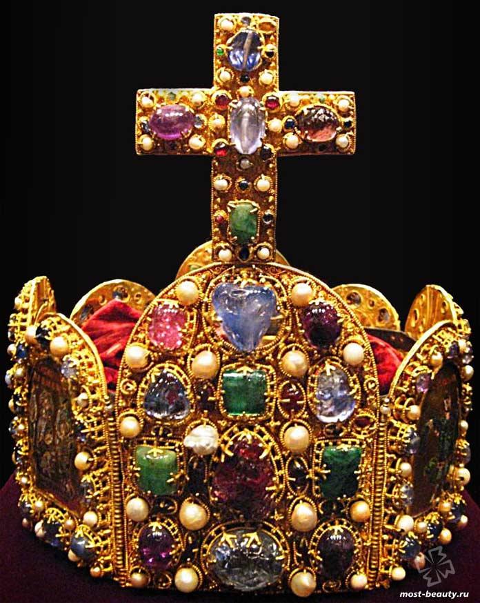Самые красивые короны: Императорская корона Священной Римской империи. CC0