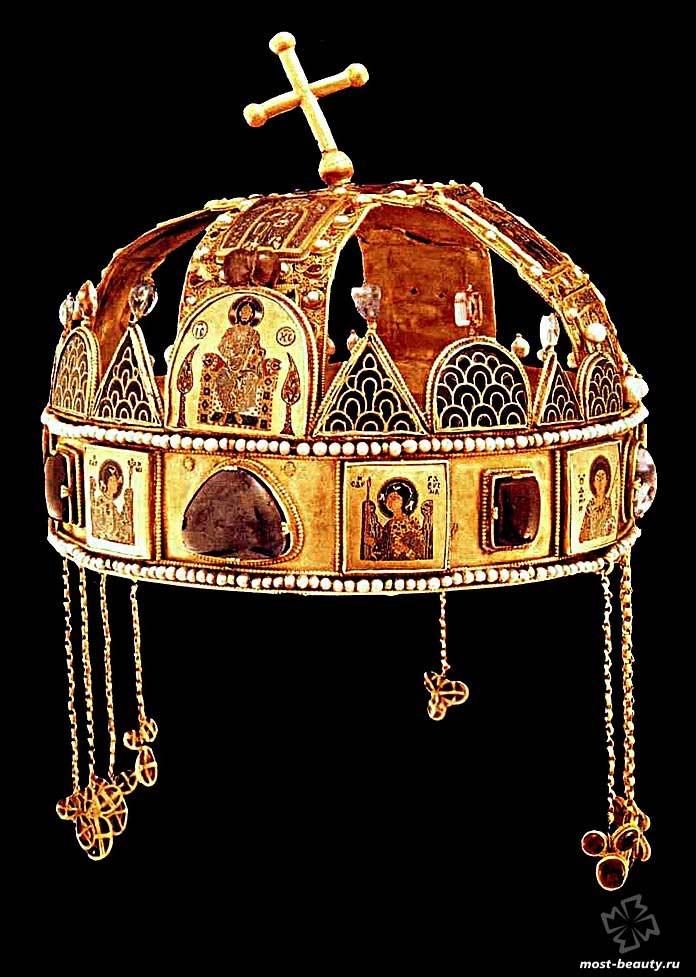 Корона святого Иштвана. CC0