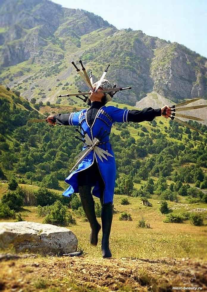 Кавказские народные танцы. CC0