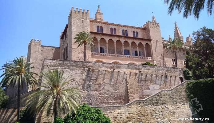 Дворец Альмудена. CC0