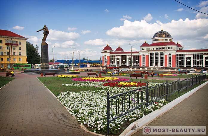Сквер Стратонавтов