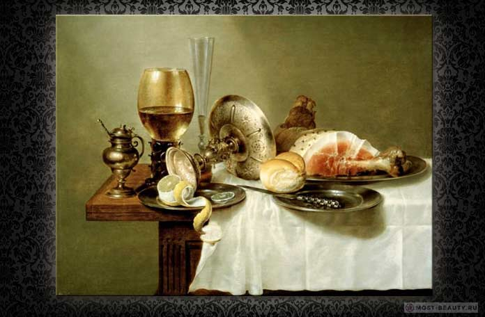 Самые красивые натюрморты: Still life of a roemer, an overturned silver tazza, a flute and a ham