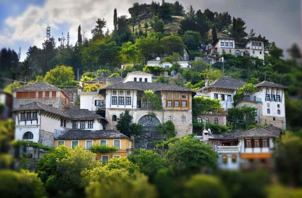 Самые красивые города Албании