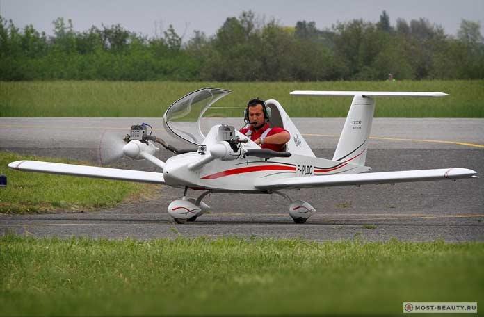 Colomban Cri Cri Jet