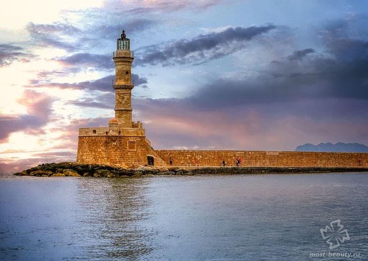 Chania Lighthouse. CC0