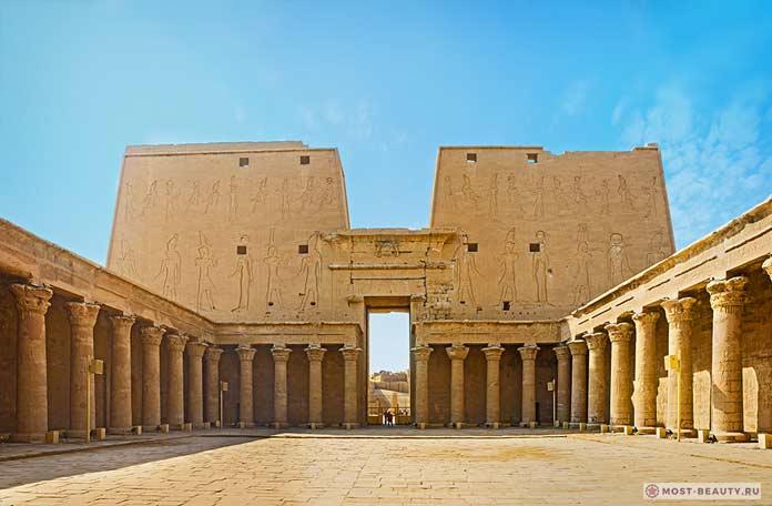 Храм Гора