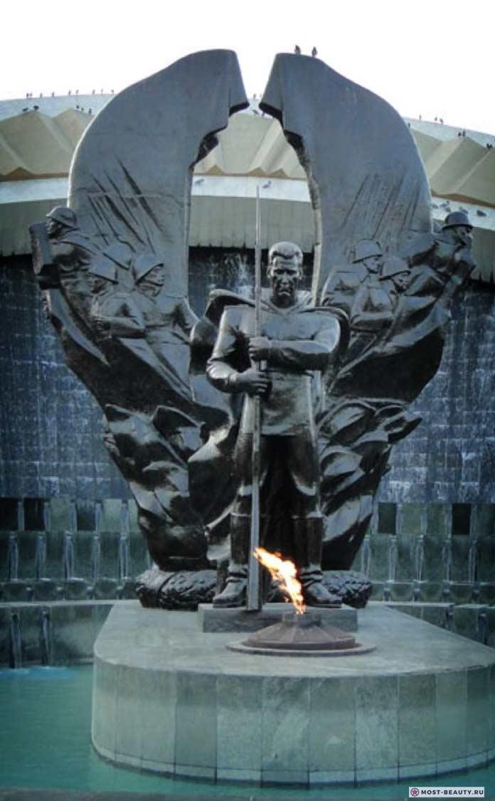 Памятник Героям Туркменистана Великой Отечественной войны
