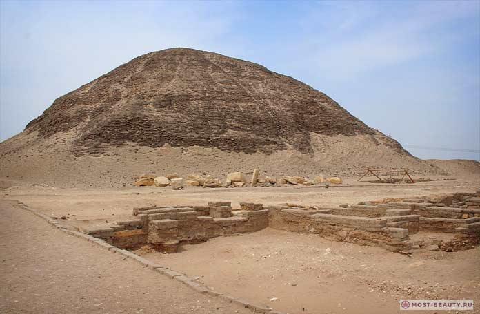 Пирамида в Хаваре