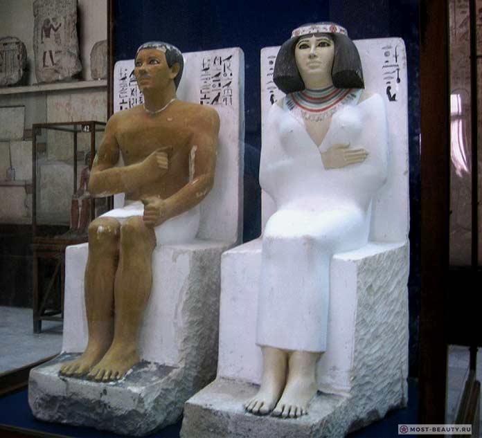 Статуи Рахотепа и Неферт