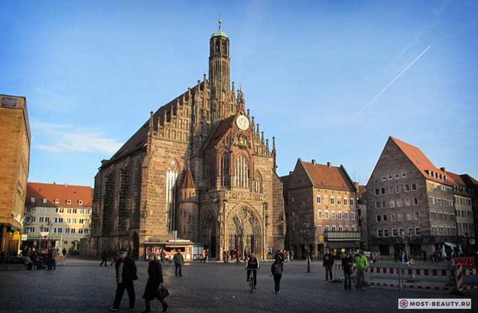 Церковь Богородицы в Нюрнберге