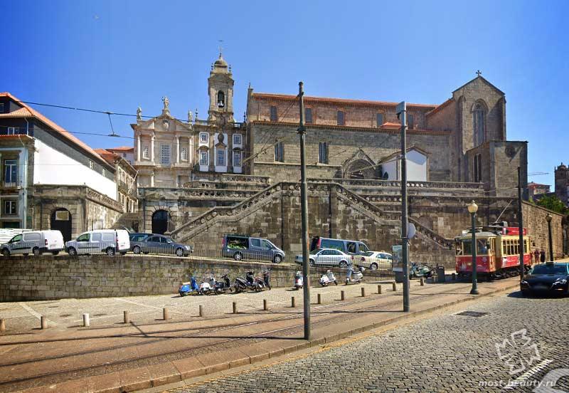 Церковь Святого Франциска / Google Maps