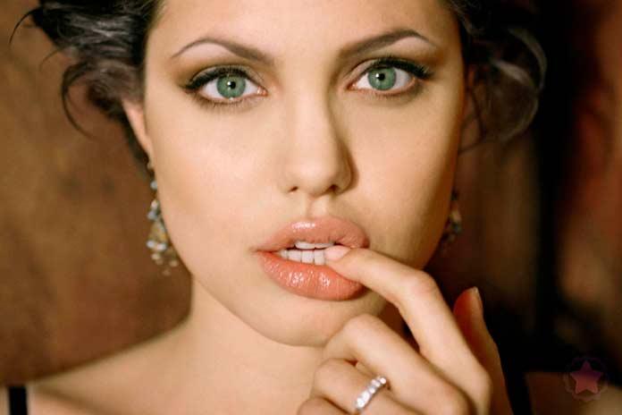 Лицо Джоли