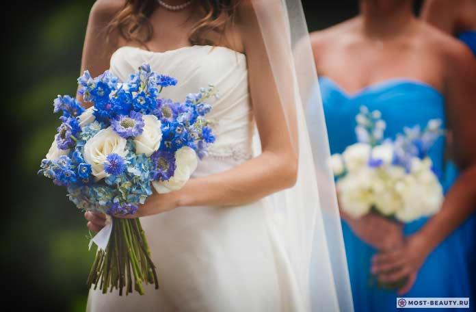 Букет невесты васильки