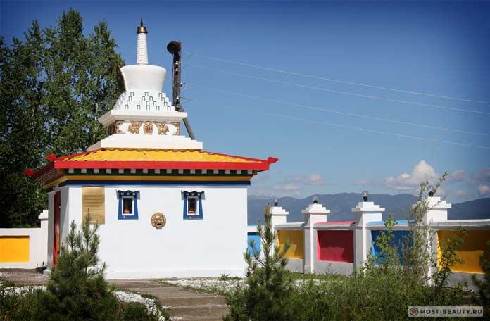 Буддийский комплекс «Множество дверей счастья»