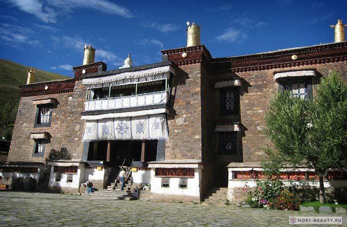 Монастырь Миндролинг