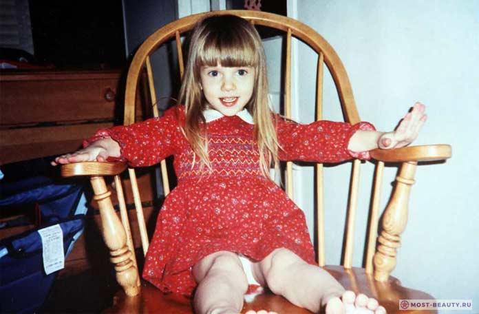 Скарлетт в детстве