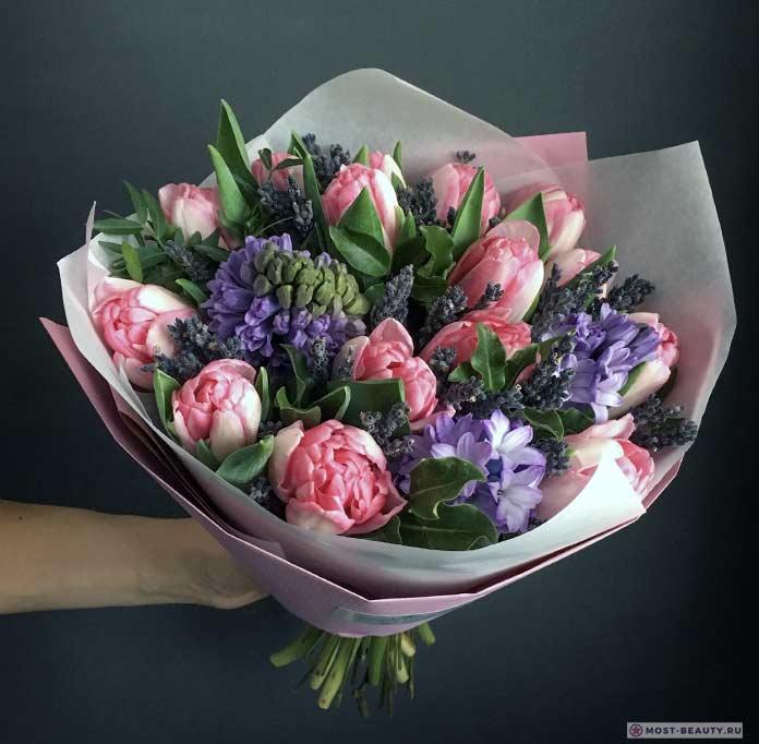 Гиацинты с розами