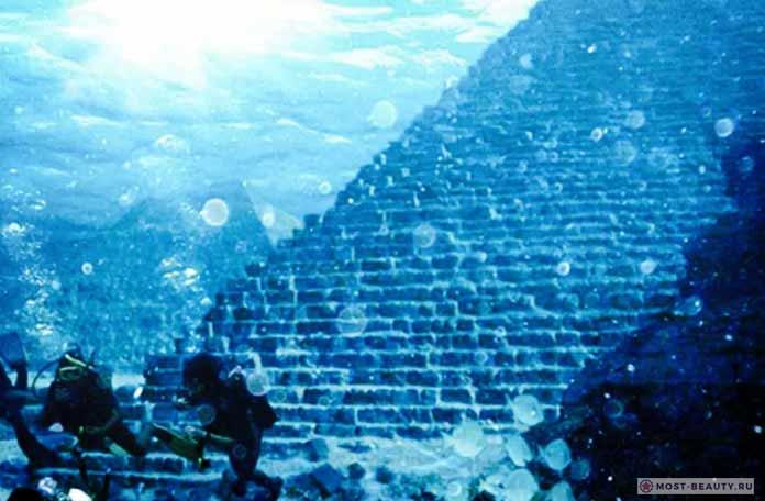 Пирамиды Бермудского треугольника