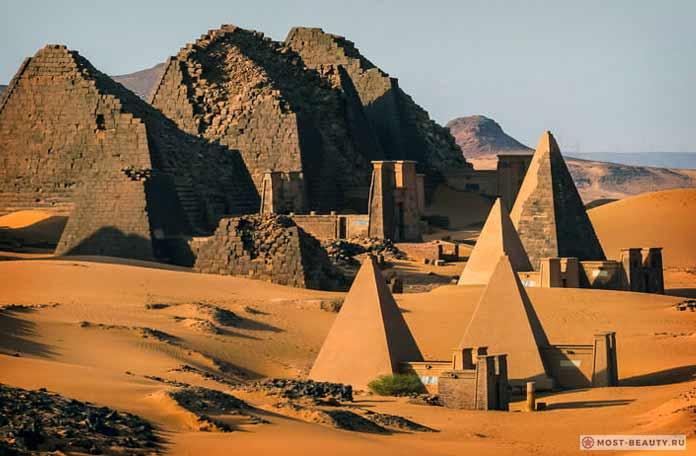 Таинственные пирамиды