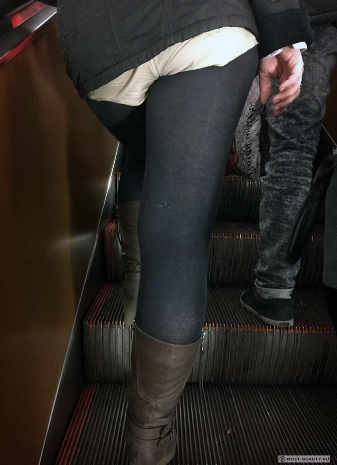 Более 100 убойных фото модниц в метро: Трусами наверх