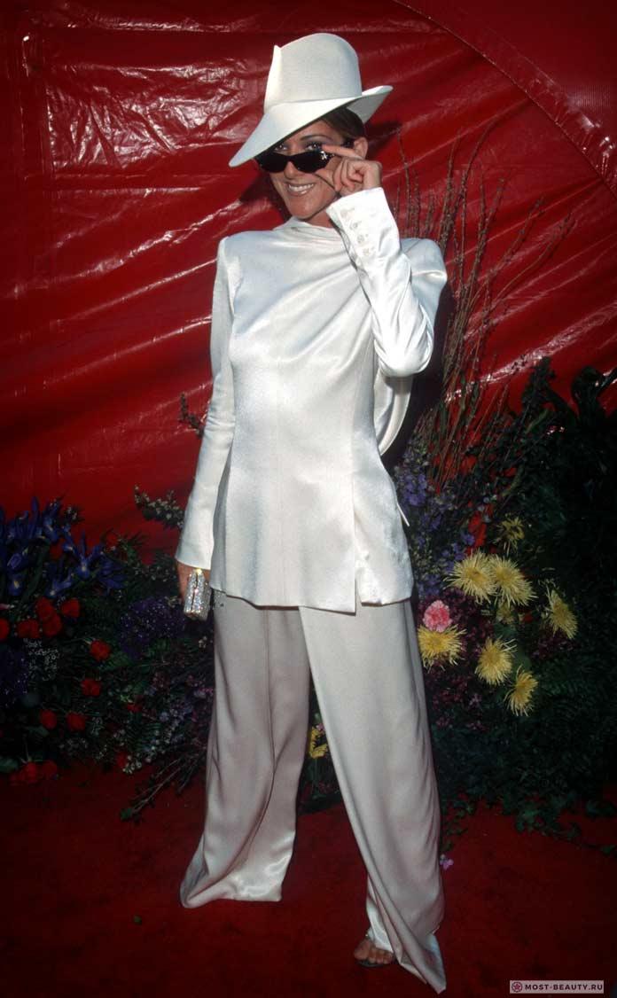 Селин Дион ввинтажном платье