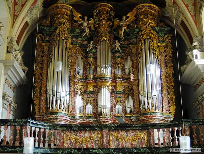 Церковь Святого Крусиса