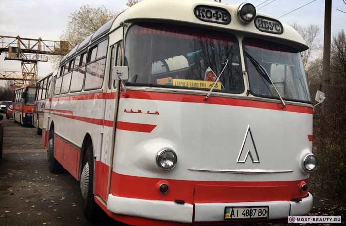 ЛАЗ-695 б