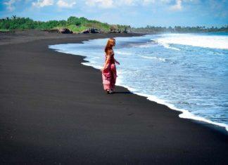 Черные пляжи
