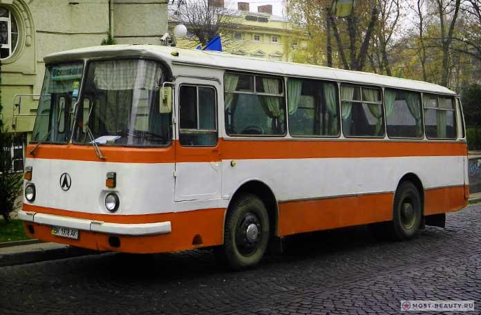 ЛАЗ-695