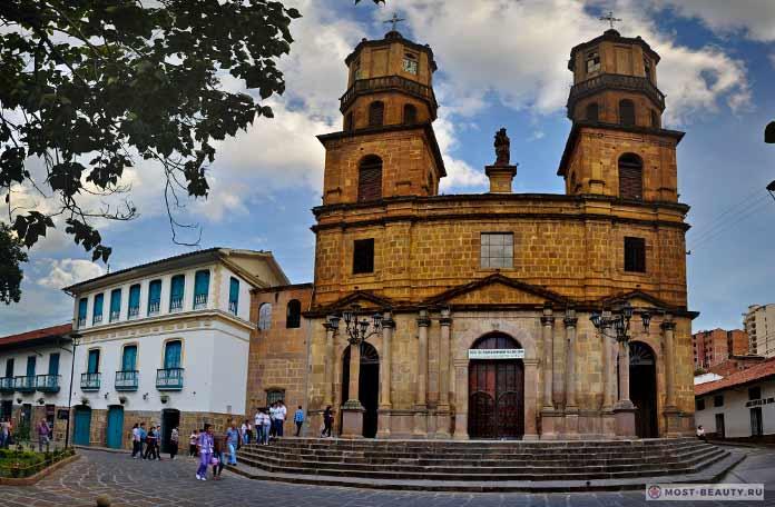 Древний собор в Сан Гиль