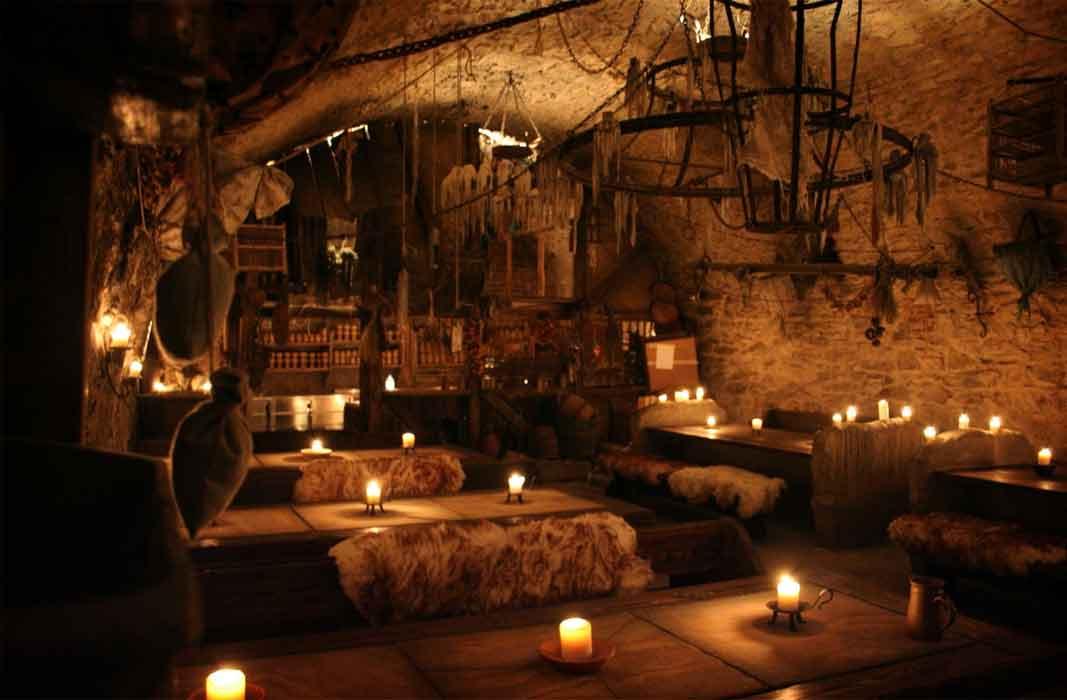 Подземный бар
