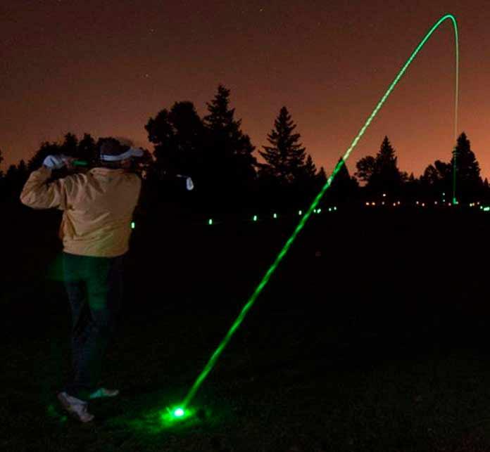 Ночной турнир по гольфу