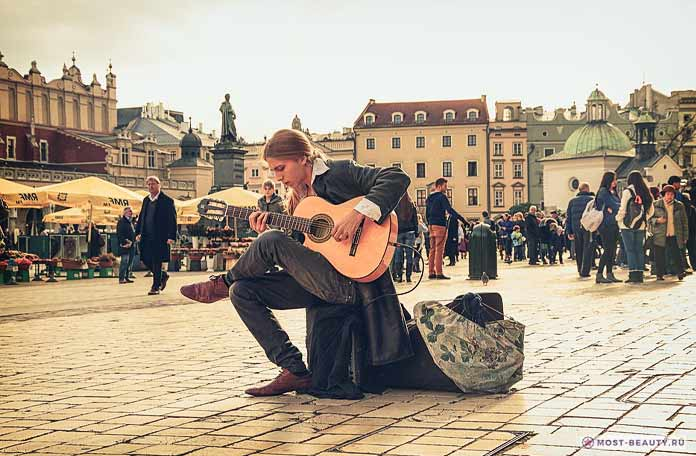 Топ-15 самых красивых площадей Европы
